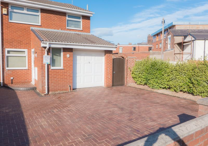 Driveways in Warrington: Why everyone's trying to get their hands on one!
